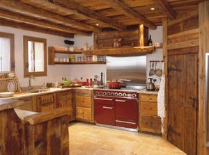 """Dalšia vidiecka kuchyna... ale o trochu """"suchšia"""" ako tá pred ňou.... s dokonale čistým nerezom"""