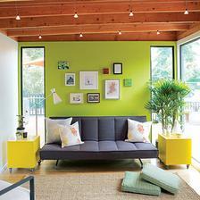 Odvážna farebnosť v modernom vidieckom interiéri ...ale má čosi do seba, táto zelená je velmi osviežujúca.....