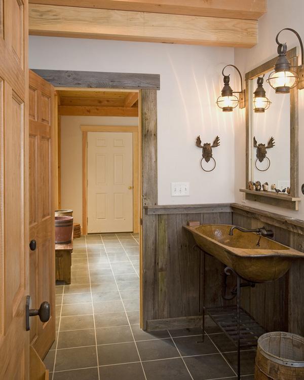 Vidiecke kúpeľne - Priznané drevo je vždy dobrý nápad