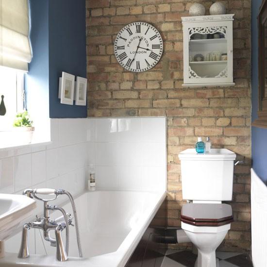 Vidiecke kúpeľne - Tehla na stene