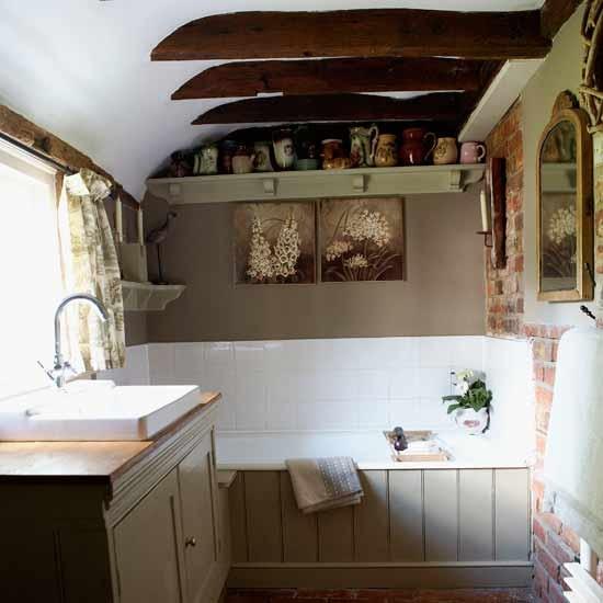 Vidiecke kúpeľne - Alebo naopak- extremne malé a útulné ako u babičky v chalúpke