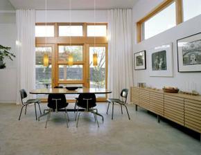 uplne pohodová jedáleň