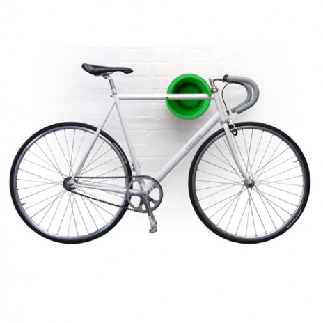 Kam s bicyklom - Podarený vešiak na bicykle, aby nezaberali miesto na podlahe...