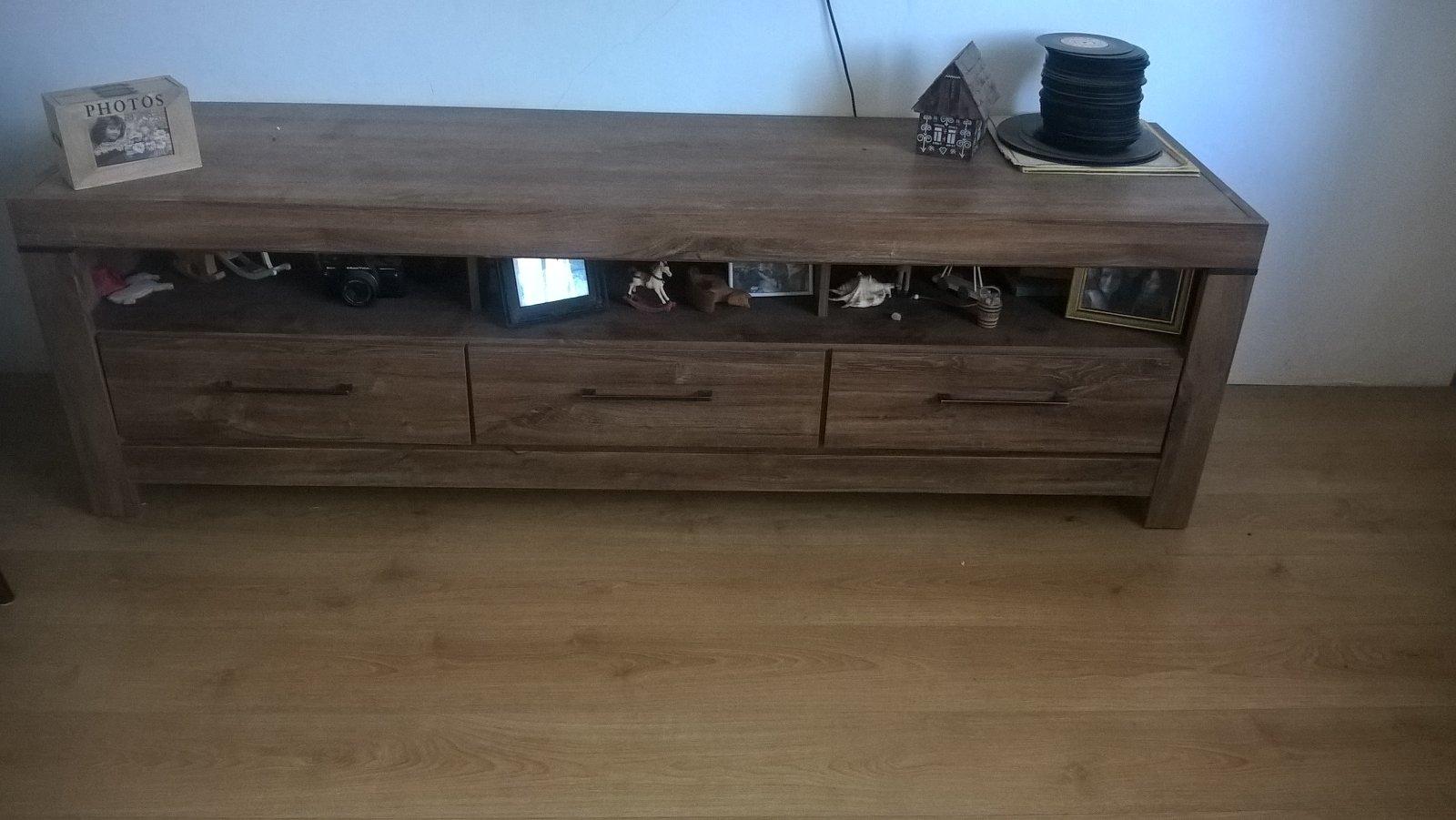 stolik pod TV a konferenčný stolík - Obrázok č. 3
