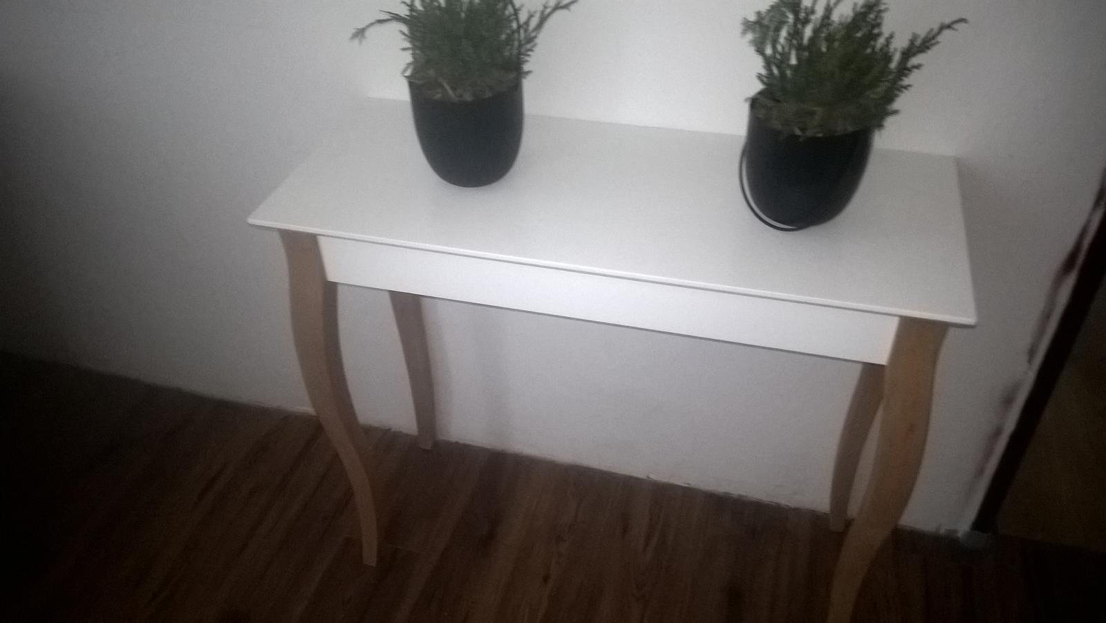 konzolový stolík - Obrázok č. 1