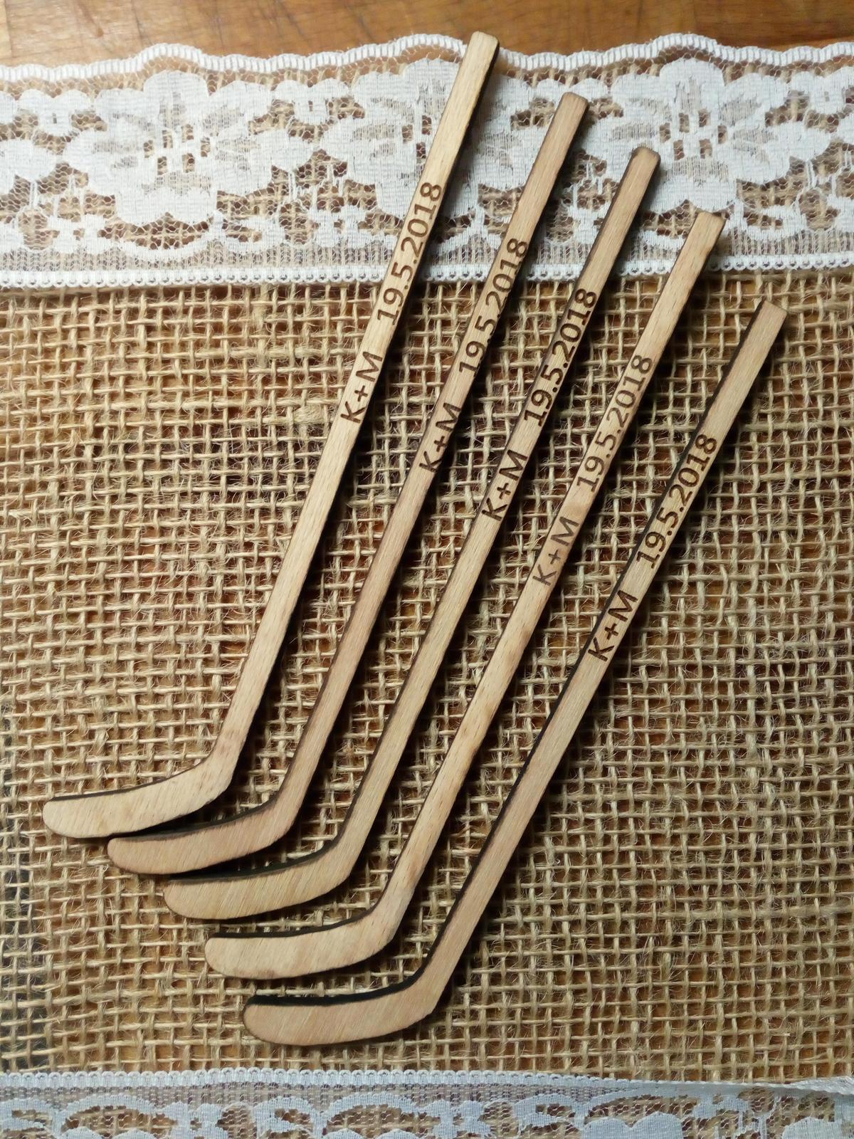 Jmenovka hokejka, dekorace na hokejovou svatbu - Obrázek č. 2