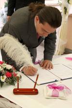 Podpis ženichova svědka.