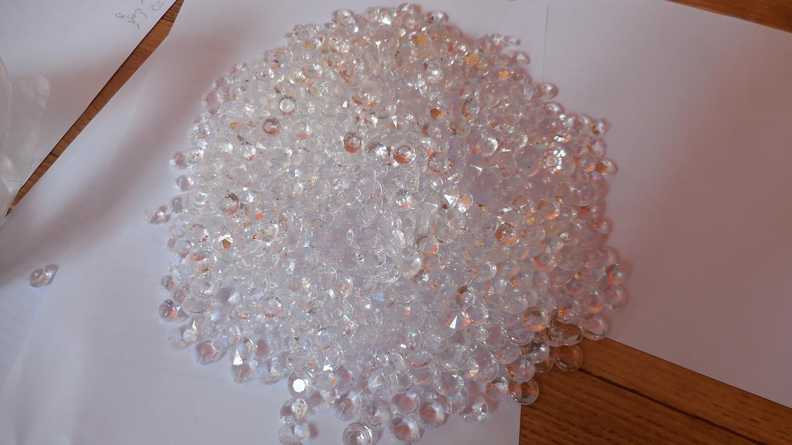 Balení asi 1600 kamínků - Obrázek č. 1