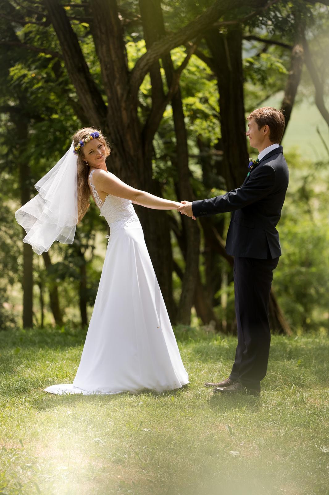 Svatební šaty pro vílu - Obrázek č. 2