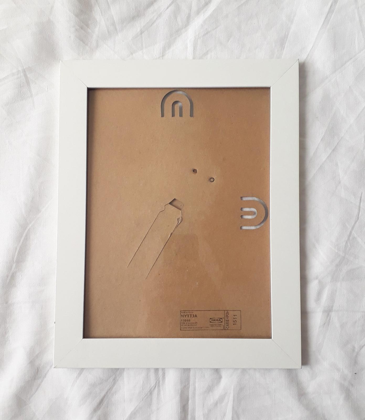 Bílý rámeček - Obrázek č. 1