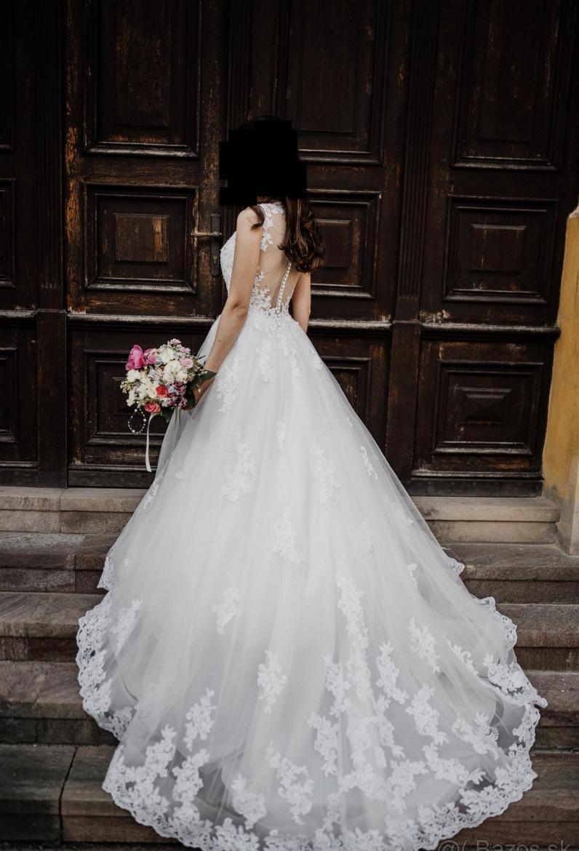 Krásne svadobné šaty Demetrios - Obrázok č. 1