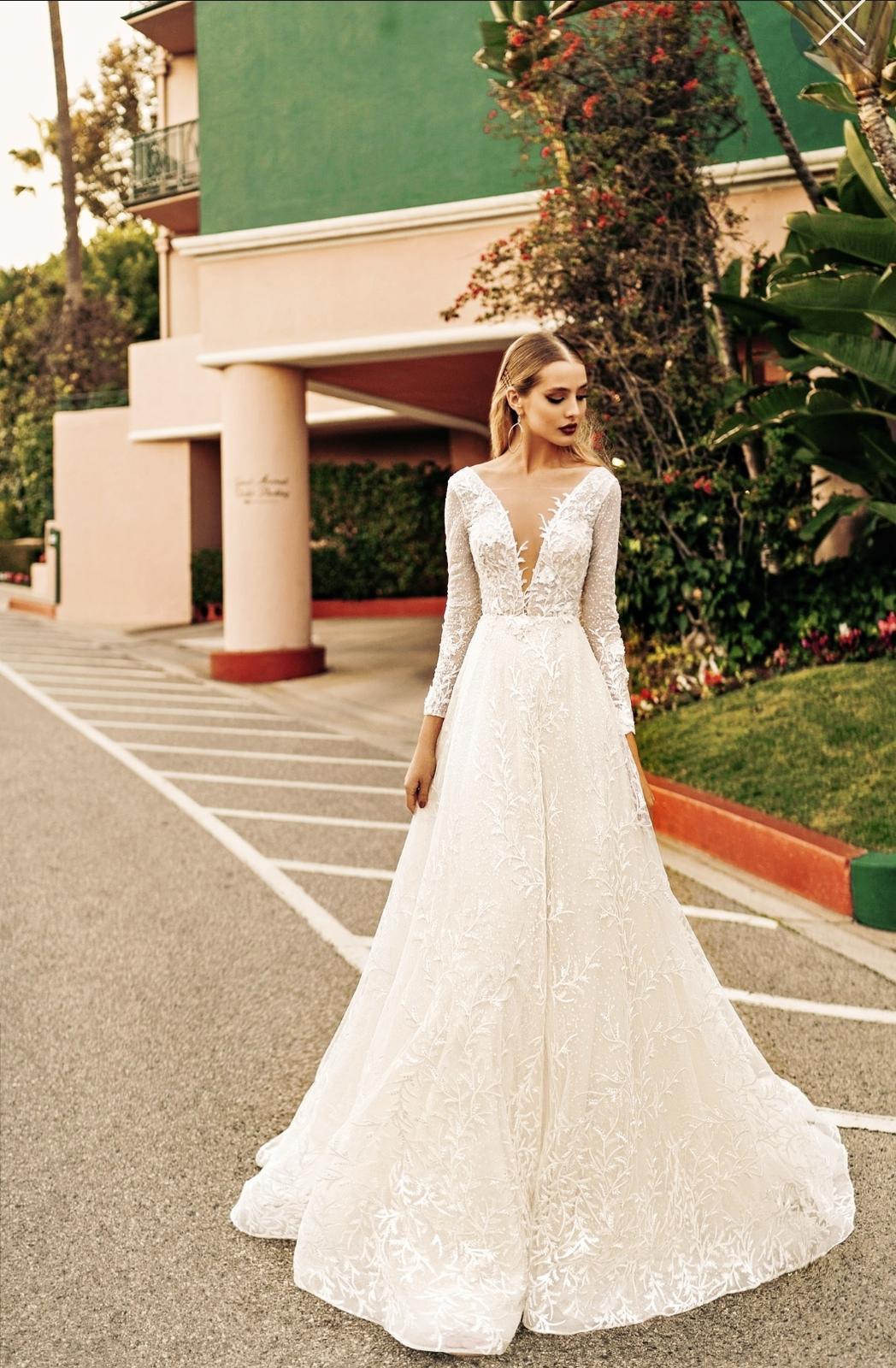 Luxusní svatební šaty s dlouhým rukávem - Obrázek č. 1
