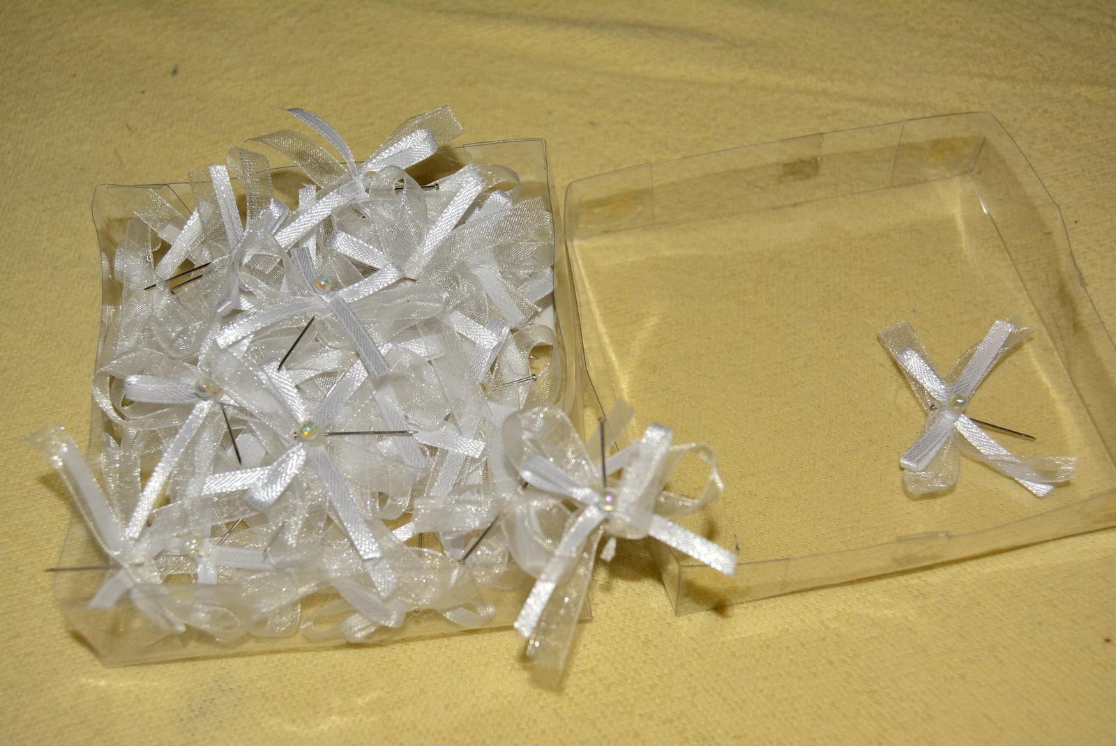 bílé mašličky - Obrázek č. 1