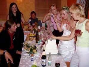 dort se krajel asi kolem pulnoci, ale nikomu to nevadilo :-)