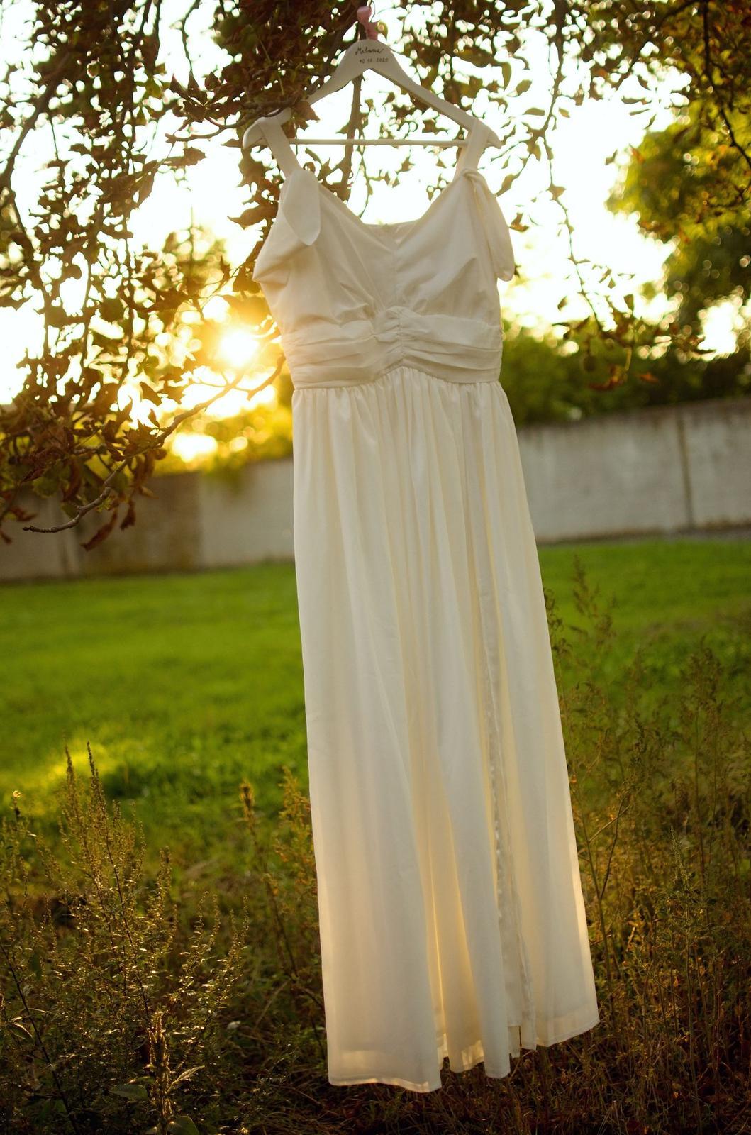svatební šaty bílé - Obrázek č. 4