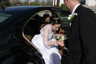 ...prichádzame na svadobnú hostinu...