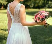 Ľahunké svadobné šaty, 36