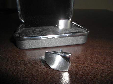 Manzetove gombiky v darcekovej krabicke -nepouzite - Obrázok č. 1