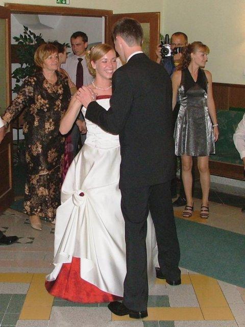 Evka{{_AND_}}Mirek - náš 1. mladomanželský tanec