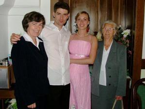 stará mama s Jarkou a my dvaja
