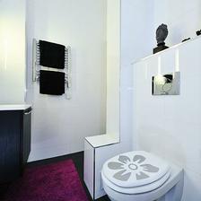A jedna samolepka přijde i na WC prkénko :-)