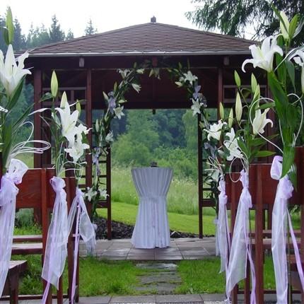 Wedding ideas - Takhle budeme mit nazdobeny altanek