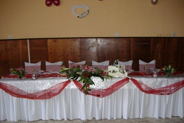 Nasa vyzdoba - hlavny svadobny stol