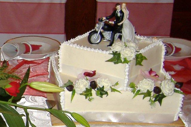 Nasa vyzdoba - nasa motorkarska torta