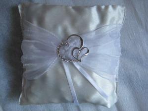 moj svadobny vankusik na obručky