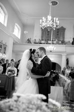 První manželské políbení :-)