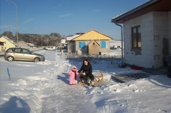 Pred domem v lednu 2013