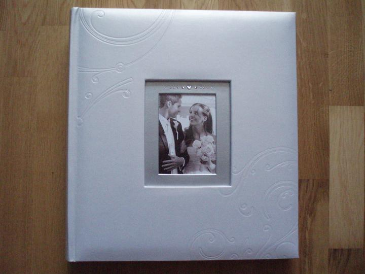 A&M 20.8.2011 - Náš fotoalbum, po svadbe vymeníme úvodnú fotku...