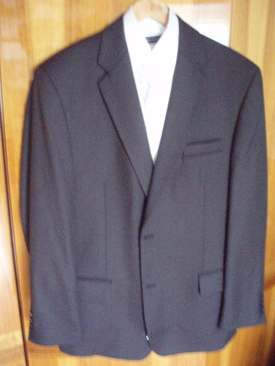A&M 20.8.2011 - drahého oblek