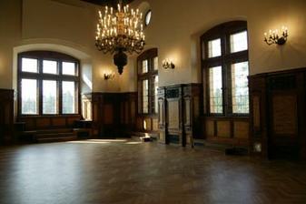 prázdný sál