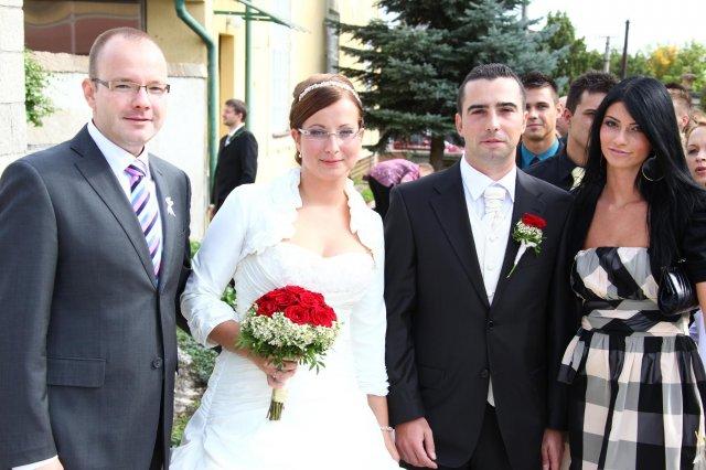 Mária Silná{{_AND_}}Peter Silný - z hlavným družbom a hlavnou družičkou