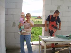 ajjajjajjajjaaaaaaj...tvarime sa radostne, pracujeme radostne...bo dorazil stavebny dozor :-)