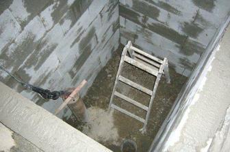 vodomerna sachta, rucne kopana :-)...a uz tahame vodu zo zakladov!! juchuuu :-)