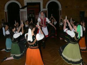 Sviečkový tanec - rozlúčka s dievčatami :-(