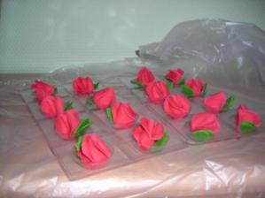 růžičky na velký dort