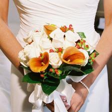 pekna jesenna kyticka, ja rozmyslam nad kombinaciou smotanovych a oranzovych tulipanov, aj ked oktober nie je ich sezona ... :o(