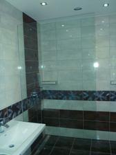 konecne sklo v sprchovacom kute