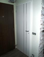 prve osadene dvere na WC