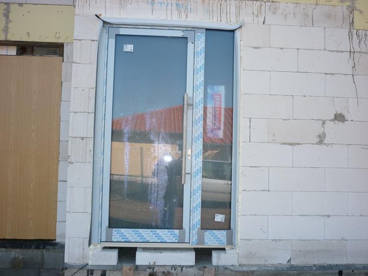 Náš domec - hurá dvere a okná