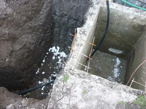 začali nám kopať zemné kolektory a tepelné čerpadlo