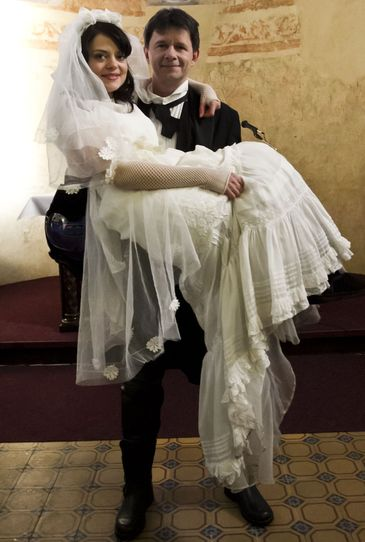 Svatby z filmů :) - Ordinace v růžové zahradě 2 : Frynta a Kateřina (tento seriál nesleduji tak nevím jestli nebyla fiktivní)