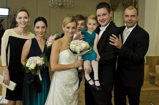 Svatby z filmů :) - Ordinace v růžové zahradě 2 - seriálová Lucie Nováková vdala za chirurga Darka Vágnera