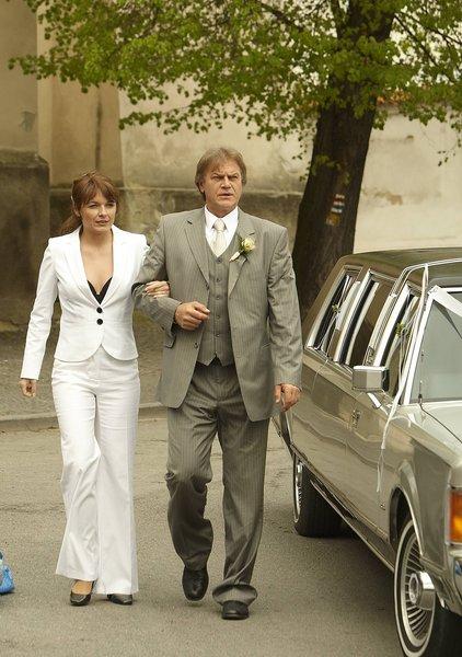 Svatby z filmů :) - Ordinace v růžové zahradě (Pavla Barnová a Vladimír Pusenský)