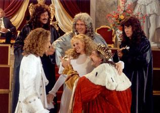 Nesmrtelná teta - pravá nevěsta...... bohužel jsem nikde nenašla celé šaty :(
