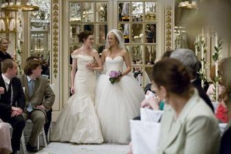 Válka nevěst (i když se jedna nakonec nevdala tak jsou tu obě) a snad jediná fotka kde jsou videt šaty :)