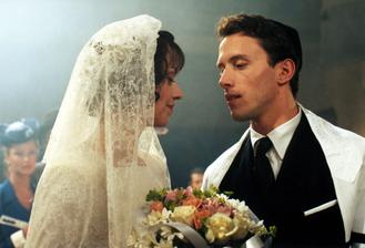 všichni moji blízcí... židovská svatba (bohužel jsem nenašla fotku kde by byly vidět celé šaty)